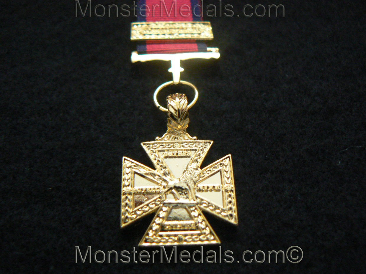 MINIATURE ARMY GOLD CROSS WITH TOULOUSE CLASP