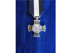 MINIATURE DISTINGUISHED SERVICE CROSS GV